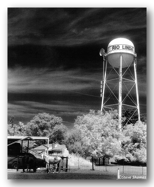 Rio_Linda_Water_Tower